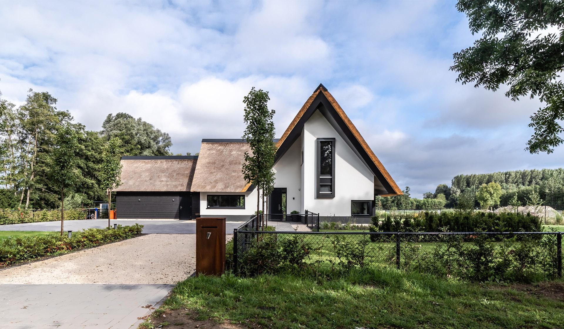 Strak landelijke villa