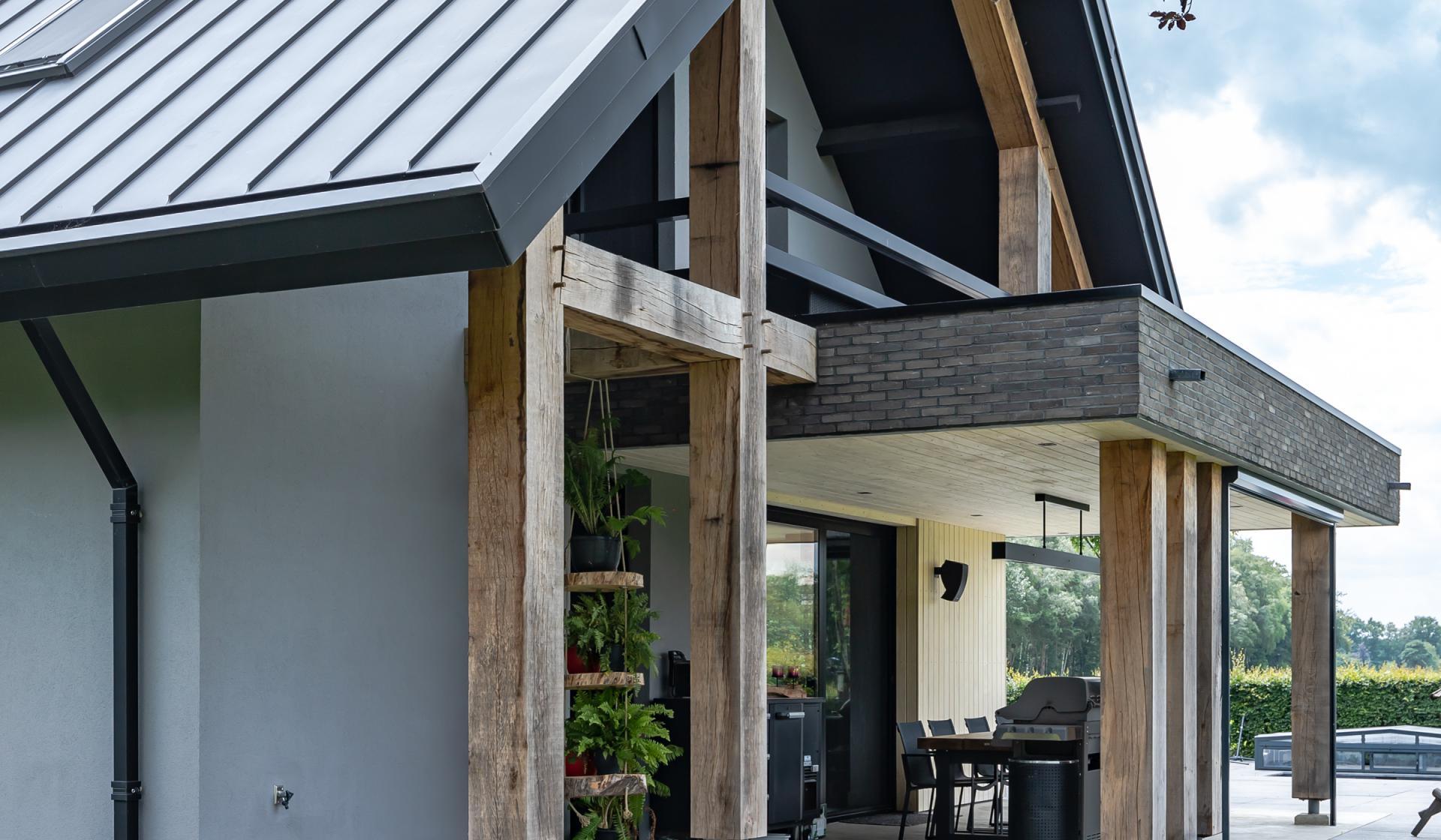 veranda met houte plafond